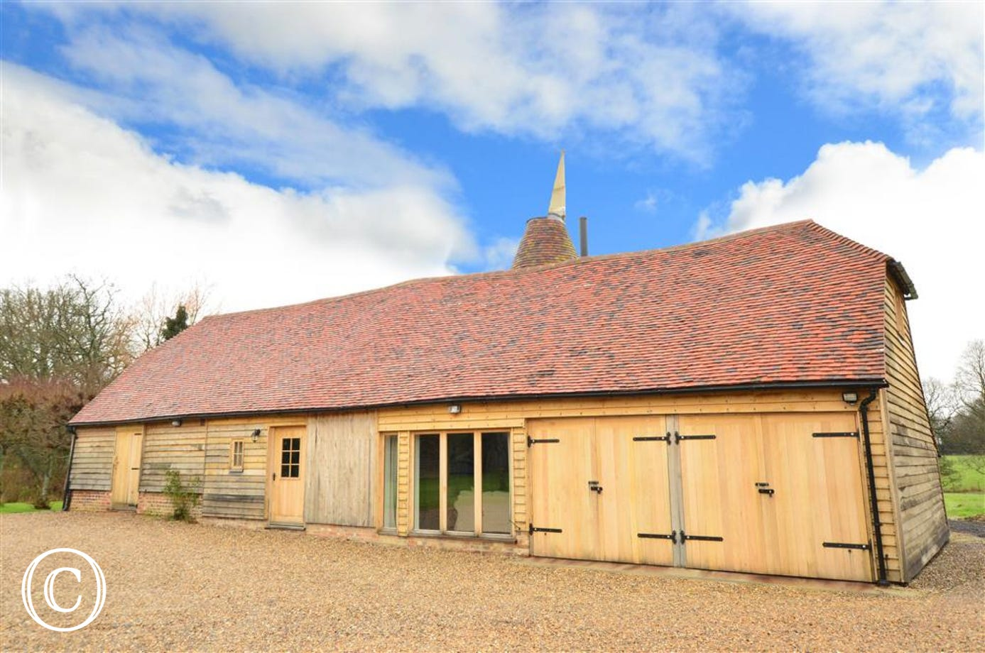 Stunning oast house conversion in grounds of an ancient Manor House