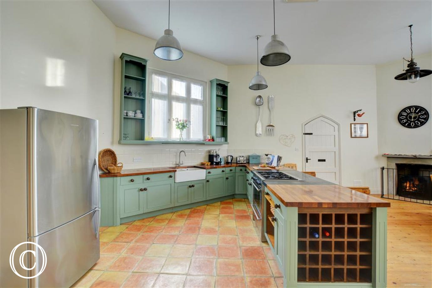 Beautiful well equipped kitchen
