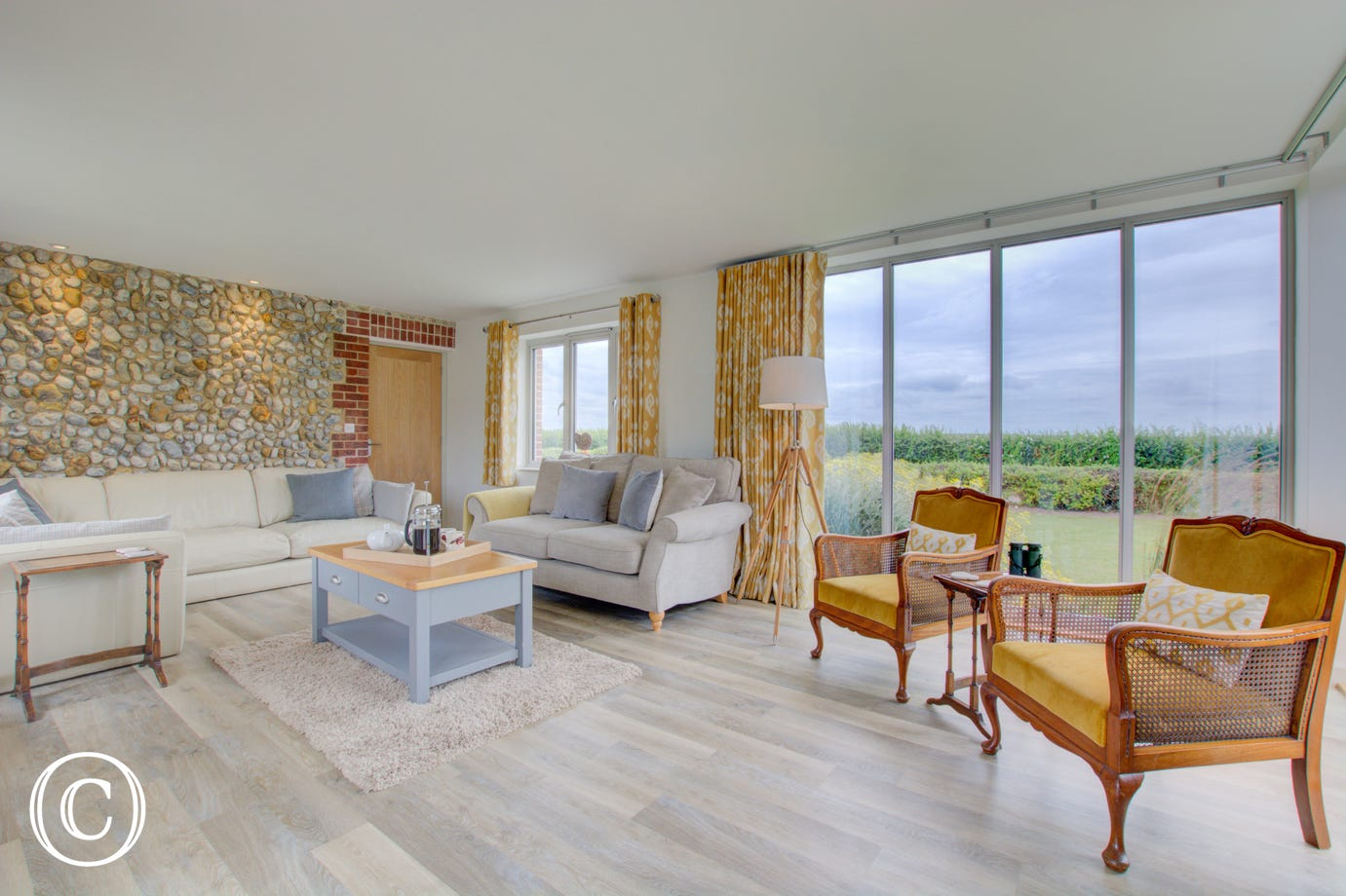 Beautiful sitting room with views of the garden